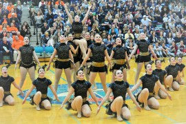 Cheerleaders and Royalaires compete